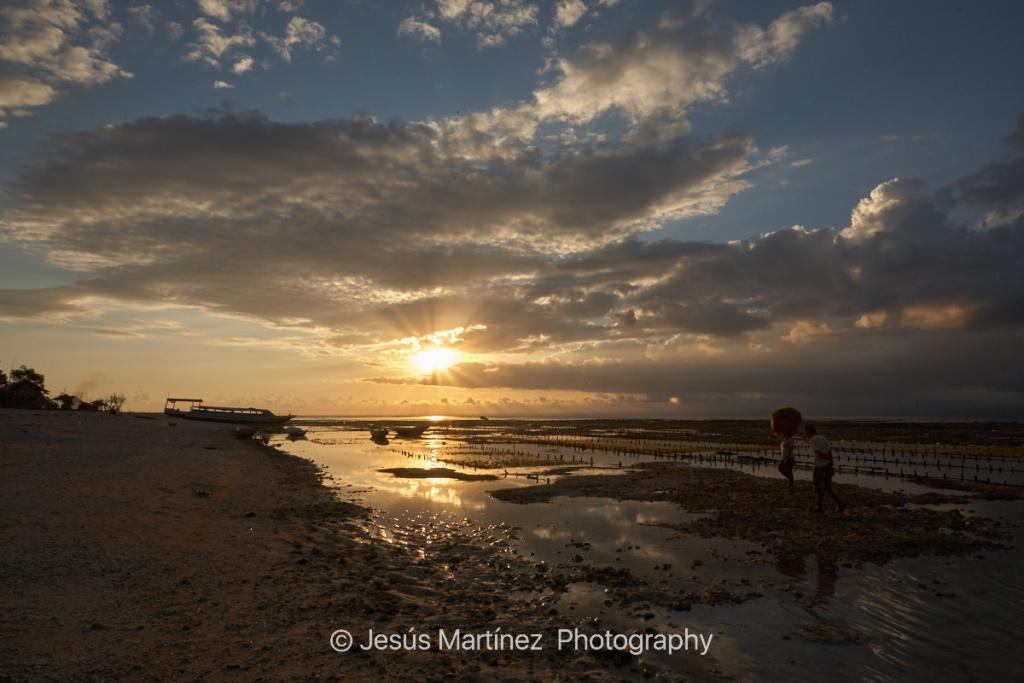 Atardecer en la playa de Lembongan