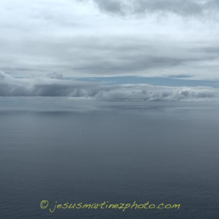 Mar de nubes sobre el océano